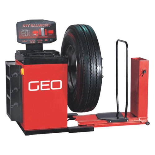 Commercial HGV Truck and Bus Vehicle Wheel Balancer